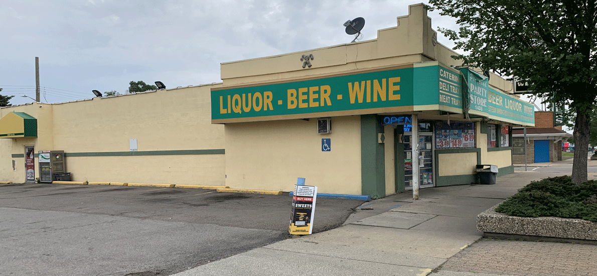 Pinewood Party Store-473077-1